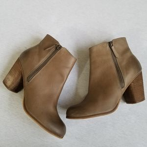 """BP """"Trolley"""" Leather Round Toe Ankle Boots tan 8.5"""